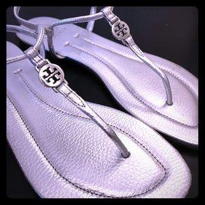 Tory Burch Emmy metallic Silver Sandals Size 9